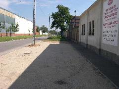 A Jegenye utca keleti felén még mindig kirajzolódik a pályatest helye , Jegenye utca, Budapest (forrás: Istvánfi Péter)
