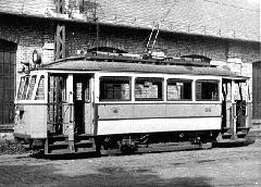 A BSzKRt arculata szerint a homlokpályaszámok magasabbak voltak a kocsi oldalain lévőknél, a méretek egységesítése a középbejáratú kocsik forgalomba állásával kezdődött. (forrás: A Főváros tömegközlekedésének másfél évszázada III. (Bp, 1987))