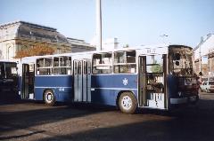 BPO-397 (későbbi HLN-324) a 30-as viszonylat Baross téri végállomásán, 2000-ben., Baross tér, Budapest (forrás: Németh Zoltán Gábor)
