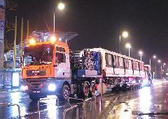 Közúton érkezik a metrószállítmány Lengyelországból., Fehér út, Budapest (forrás: Hajtó Bálint)