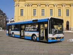 Szóló Volvo a Nagytemplom előtt., Nagytemplom, Debrecen (forrás: Óvári Péter)