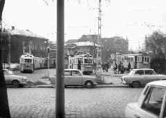 1976 és 79 között a metróépítés miatt többször elvágták az Ecseri úti vágányokat az Üllői útnál, ezért a 13-as villamos szerelvényei egy ideig a Nagyvárad téren fordultak vissza. (forrás: VEKE)