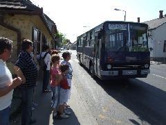 Villamospótló busz érkezik az egykori HÉV végállomására, XXII. Nagytétényi út - Szabadság utca sarok, Budapest (forrás: Gábor Marcell)