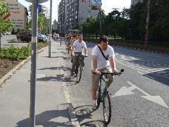 A kerékpáros csapat a Fehérvári úton, Fehérvári út, Budapest (forrás: Gábor Marcell)