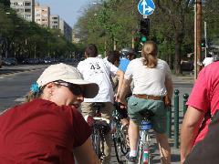 Villamospótló bicikliscsapat, Budapest (forrás: Gábor Marcell)