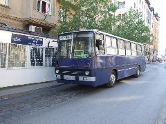 A villamospótló busz a Móricz Zsigmond körtéren, Móricz Zsigmond körtér - Villányi út, Budapest (forrás: Gábor Marcell)