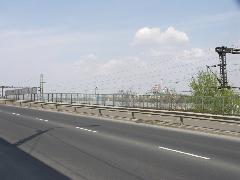 Erre a balesetveszélyes helyzetre hivatkozva szünetel (!) ma is a villamosforgalom (forrás: VEKE)