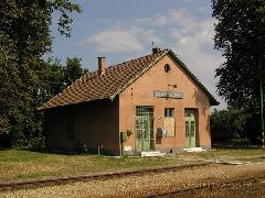 Egyed-Rábacsanak felvételi épülete régen... (forrás: Szente-Varga Domonkos, vasutallomasok.hu)