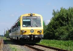 A különvonat Szany-Rábaszentandrás állomásra érkezik. (forrás: Dobronyi Tamás)