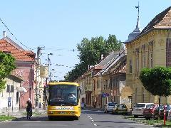 Az új 8-as autóbusz Likócs és Pinnyéd között közlekedik, megteremtve a kelet-nyugati tengelyt, Híd utca, Győr (forrás: VEKE)