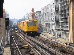 Az U-Bahnok egész nap csúcsideji sűrűséggel járnak., Berlin (forrás: Sparing Dániel)