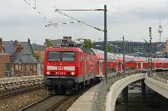 Regionális vonatokról ismert kétszintes szerelvény érkezik erősítésként a főpályaudvarra., Berlin (forrás: Carsten Templin)