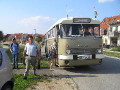 Ahogyan a Garan János utcait is: az itt lakók menetrendszerinti járatokkal egyelőre csak hosszú rágyaloglással utazhatnak, Garan János utca, Győr (Ménfőcsanak) (forrás: VEKE)