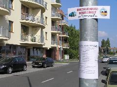 A nosztalgiabusz ideiglenes megállóhelye Városréten, az Amarillisz kertnél, Tátika utca, Győr (forrás: VEKE)