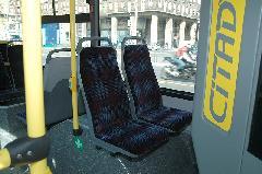 Elöl is dupla üléseket helyeztek el, Károly kőrút, Budapest (forrás: VEKE)