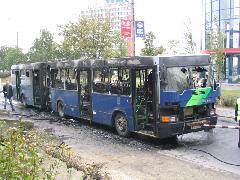 Az Ikarus 435-ösök is előszeretettel égtek. Ez itt a BPI-145., Budaörsi út, Budapest (forrás: Hajtó Bálint)