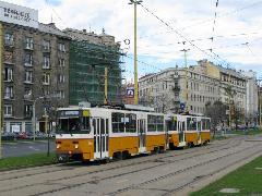 Egy másik, ma már nem használt összeállítás, az ún. B-A véggel történő csatolt közlekedés. Ehhez is hurokvégállomásra van szükség., Krisztina körút, Déli pályaudvar, Budapest (forrás: Mihályfi Márton)