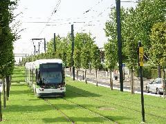 Nantes az első a modern francia villamosvonal - a képen már alacsonypadlós járművekkel., Nantes (forrás: Vitézy Dávid)
