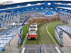 Füves pályaszakasz Prága legújabb villamosvonalán., Prága (forrás: Hajtó Bálint)