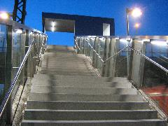 Szép, igényes építészeti megoldások jellemzik az új megállóhelyet is., München (forrás: Feld István Márton)