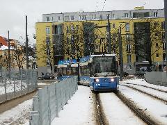 A 23-as a Parzivalplatz után hagyja el a főutat, s kanyarodik be az új városrészbe, München (forrás: Feld István Márton)