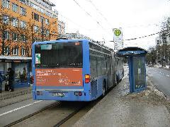 Közös villamos-busz megálló a Parzivalplatzon., München (forrás: Feld István Márton)