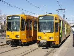 2008 óta a 42-es és 52-es viszonylatokon is hannoveri villamosok közlekednek. (forrás: Müller Péter)