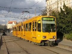 Korszerűsített, kijelzővel felszerelt budapesti TW 6000-es. (forrás: Müller Péter)