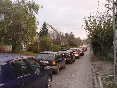 A képek 2006 novemberében, a buszsávért indított küzdelmünk elején készültek., Fő utca, Budakeszi (forrás: Vitézy Dávid)