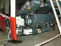 A BKV egyik Ganz Solaris trolibuszának hátsó része szerelés alatt a Ganz Transelektro Közlekedési Rt. telephelyén, Ikarus Mátyásföldi telepe, 22-es csarnok, XVI. ker. Margit u., Budapest (forrás: Németh Zoltán Gábor)