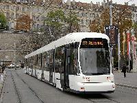 Új Bombardier villamosok Genfben és két spanyol városban