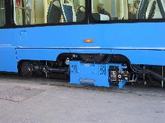 Az új horvát alacsonypadlós villamos futóműve a kívül, hosszában elhelyezett motorral., Konèar gyár, gyártócsarnok, Zágráb (forrás: Dra¾en Bijeliè)