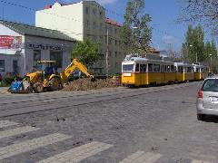 A közművek cseréje és a közút felújítása is megtörténik idén., Bartók Béla út, Budapest (forrás: Friedl Ferenc)