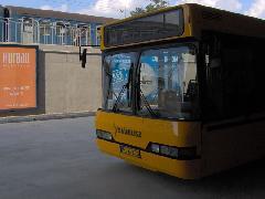 Busz és vonat, Budai út, intermodális csomópont, Érd (forrás: Friedl Ferenc)