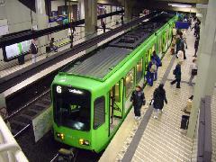 A Stadtbahn hangulata és jellege egyaránt a klasszikus földalatti vasutakat idézi, Hannvoer (forrás: Németh Zoltán Gábor)