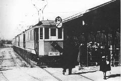 Lóversenynapokon a BLVV szerelvényei is kisegítették a hatalmas forgalmat., Új Lóversenytér, Budapest (forrás: A főváros tömegközlekedésének másfél évszázada)