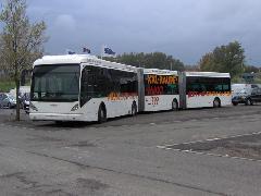 VanHool AGG300 duplacsuklós autóbusz elölről, BusWorld 2005, Kortrijk (forrás: Friedl Ferenc)
