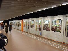 Szerelvény a brüsszeli 1-es metróvonalon, Brouckere, Brüsszel (forrás: Németh Attila)