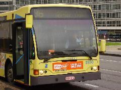INdulási időpontot kijelző autóbusz a STIB/MIVB 36-os vonalán, Schuman, Brüsszel (forrás: Németh Attila)
