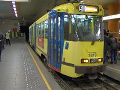 A 90-es villamos a premetro szakaszon, Zuid Station/ Gare Du Midi, Brüsszel (forrás: Friedl Ferenc)