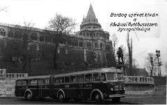 Az első csuklós autóbusz Budapesten, a FAÜ karácsonyi üdvözlőlapján, Halászbástya, Budapest (forrás: Gyulai Géza gyűjteménye)
