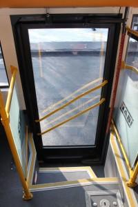 A hátsó, egyszárnyú ajtó. Kilátás a magasból. (fotó: Gégény András)