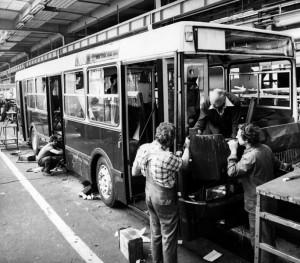 Végszerelés alatt a gyárban - nemcsak a BKV-nak, az Ikarusnak is az első sorozat volt