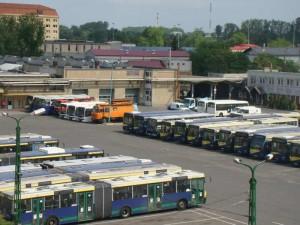 Donorbuszok az MVK Zrt. telephelyén 2012 tavaszán